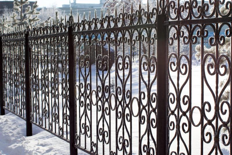 Какой Забор нельзя ставить на даче, если не хотите Штрафа. Еще и разобрать заставят